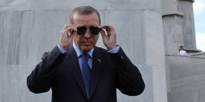 Erdogan begins an official visit to Cuba and meets with President
